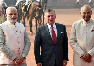 Hon'ble Rashtrapatiji and PM Shri Narendra Modi receiving His Majesty King Abdullah II of Jordan at Ceremonial Reception at Rashtrapati Bhawan on 01 March 2018
