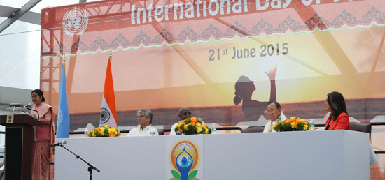 ''The entire world is one family, and we can unite it with Yoga'' - External Affairs Minister