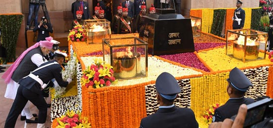 Prime Minister pays homage at Amar Jawan Jyoti, India Gate on the occasion of 68th Republic Day in New Delhi