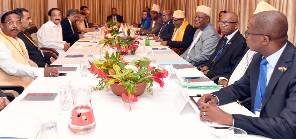Vice President and President of Comoros hold Delegation Level Talks in Moroni