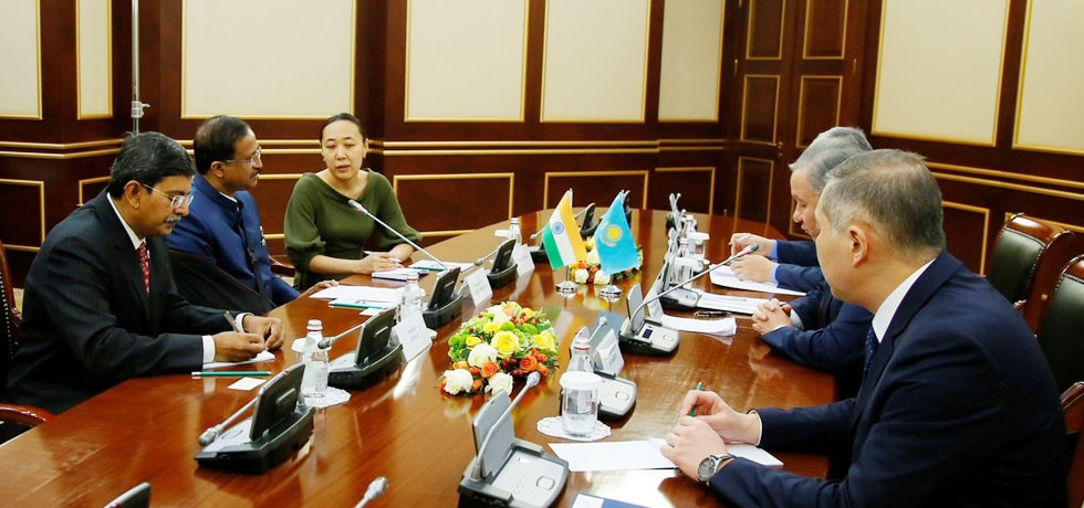 Minister of State for External Affairs meets Nurlan Nigamatulin, Chairman of the Majilis of the Republic of Kazakhstan in Nur Sultan