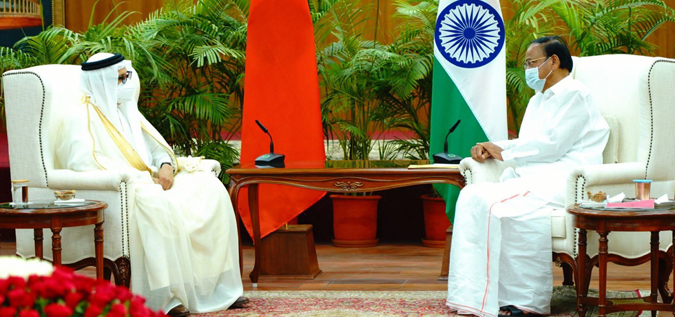 Vice President received H.E. Dr. Abdullatif bin Rashid AlZayani, Minister of Foreign Affairs of the Kingdom of Bahrain in New Delhi